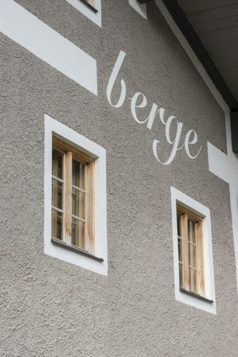 022 Fassade Haus Berge Aschau