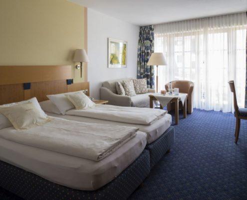 026 Böden Ferienhotel Prillerhof Aschau (4)
