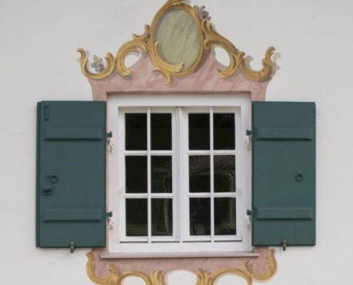 040 Fenster historisches Gebäude (2)